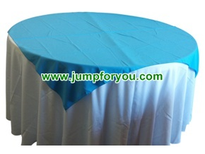 Round Table Cover (White/Light Blue)